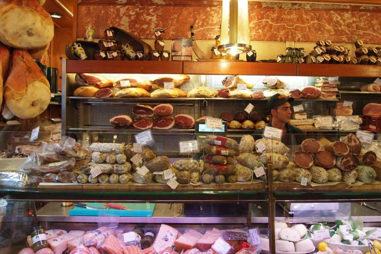 Food Shop in Bologna Italy