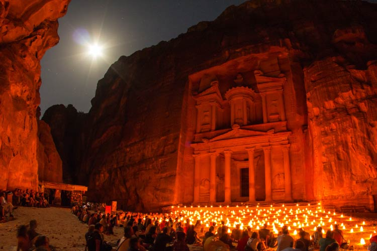 'Khazneh' Petra by night
