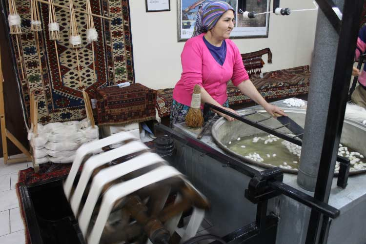 Rug Maker in Turkey