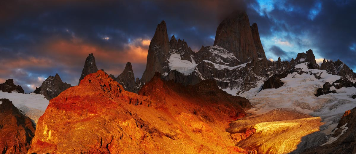 Laguna de Los Tres and mount Fitz Roy Featured Image