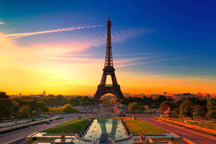 The Eiffel Tower, Sunrise in Paris