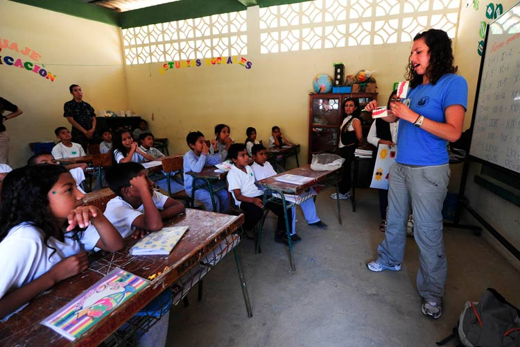 Volunteer Teacher in Ecuador